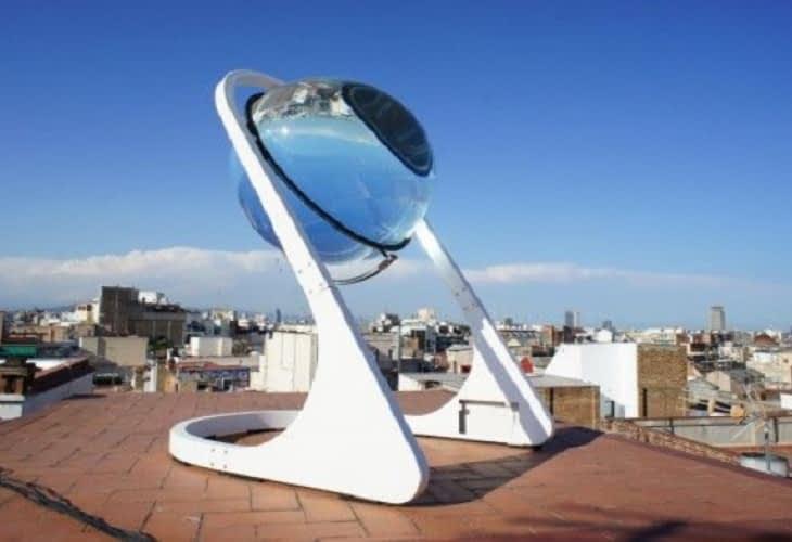 De l'électricité solaire concentrée dans une boule de verre
