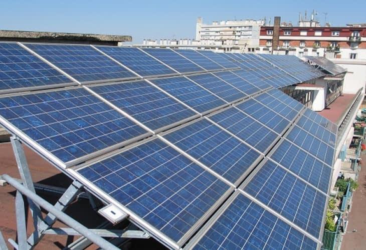 Des panneaux solaires sur les toits des villes pour atteindre les objectifs de la Cop21