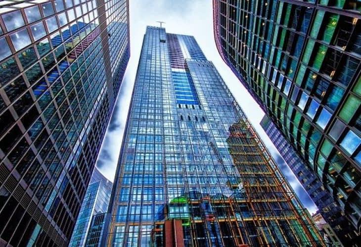 Immobilier à Londres : un mur d'escalade sur une tour de bureaux