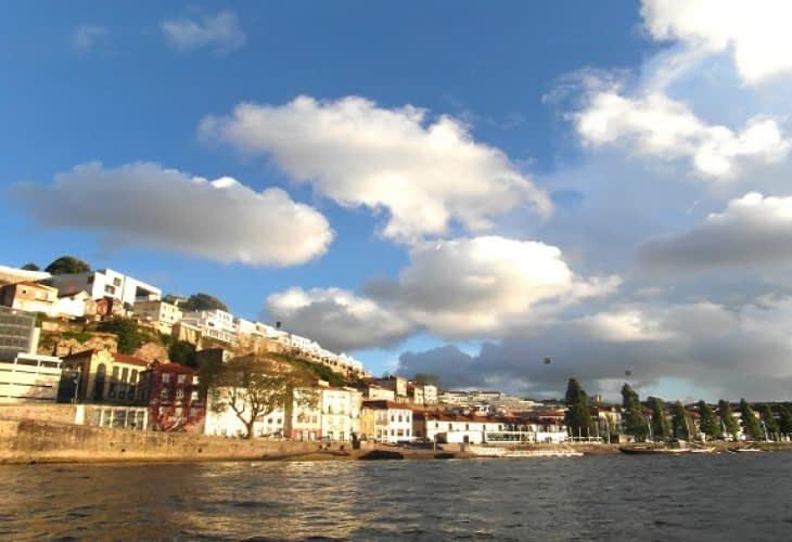 La « taxe soleil » bientôt adoptée au Portugal ?