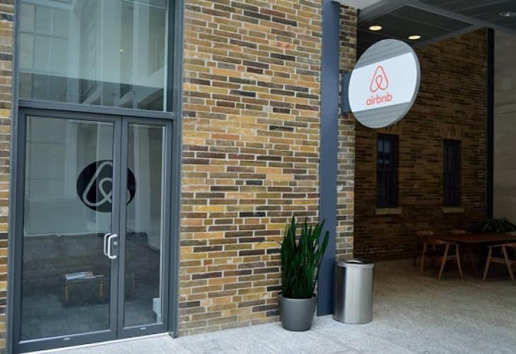 Pourquoi Airbnb paye (très) peu d'impôts en France ?