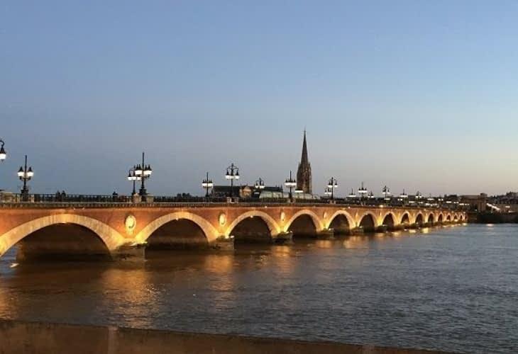 Prix de l'immobilier à Bordeaux : la Perle d'Aquitaine talonne Paris