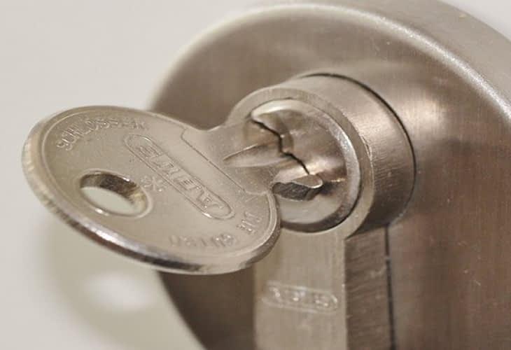 Un propriétaire peut-il garder un double de clé ?