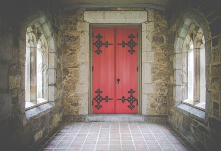 Vente immobilière : pourquoi les églises intéressent les promoteurs ?