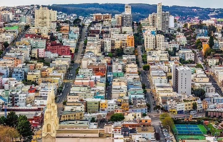 Les prix de l'immobilier en Californie poussent les salariés sur les parkings